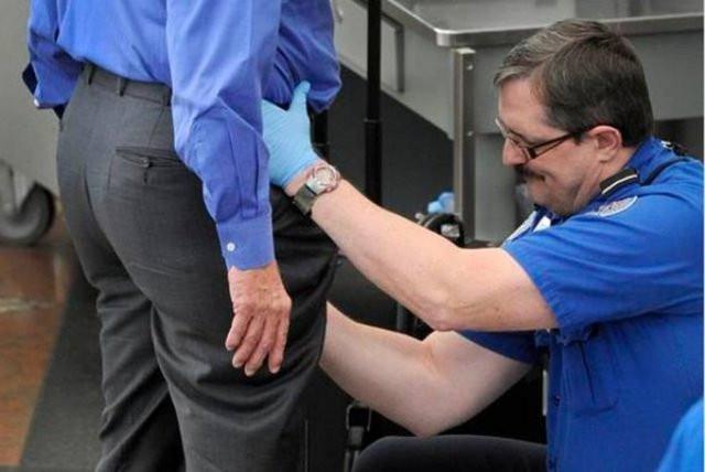 Taciz mi güvenlik mi ? Havalimanında skandal görüntü