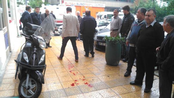 Avukata bıçaklı saldırı