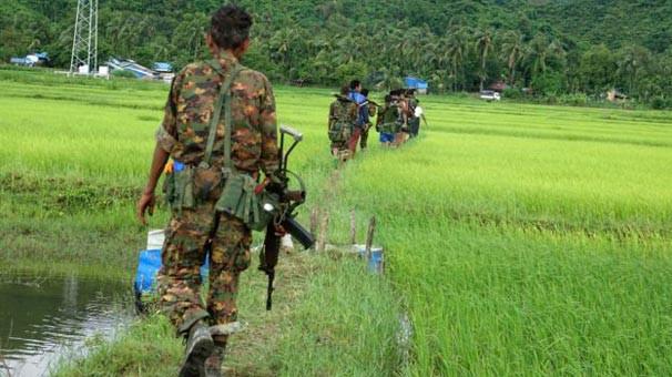 Myanmar ordusu Arakan'dan çekiliyor