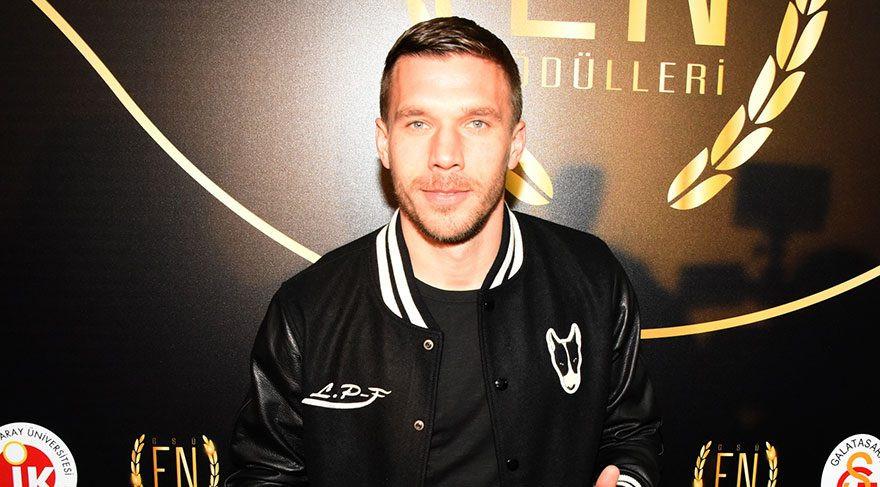 Podolski'den Fenerbahçe'ye olay gönderme