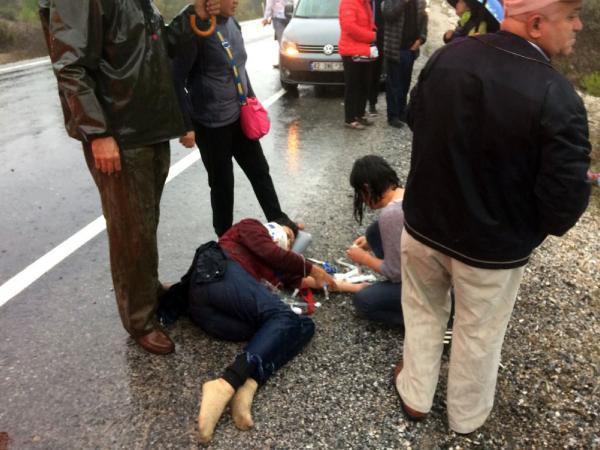 Antalya'da can pazarı ! Tur midibüsü devrildi: Ölü ve yaralılar var