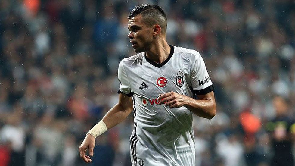 Pepe antrenmanı yarıda bıraktı