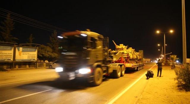 Tanklar, alkışlar İstiklal Marşı ve kahramanlık türküleriyle uğurlandı