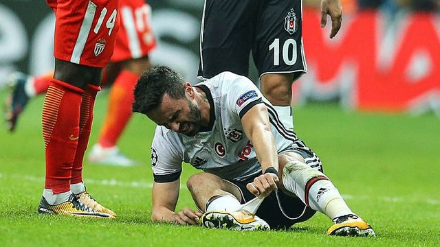 Beşiktaş'ta sakatlık depremi ! 4 futbolcu...