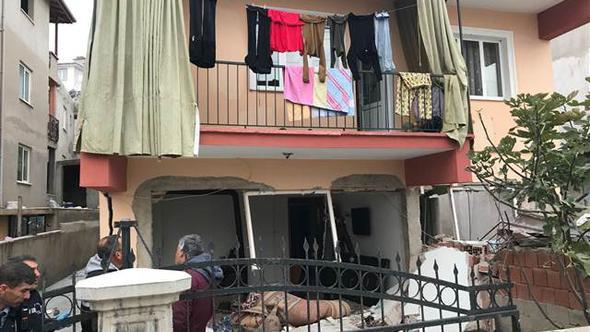 Sabahın ilk saatlerin korkunç patlama; evin duvarları yıkıldı !