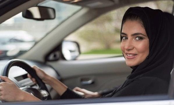 Kadınlar artık motosiklet ve kamyon da sürebilecek