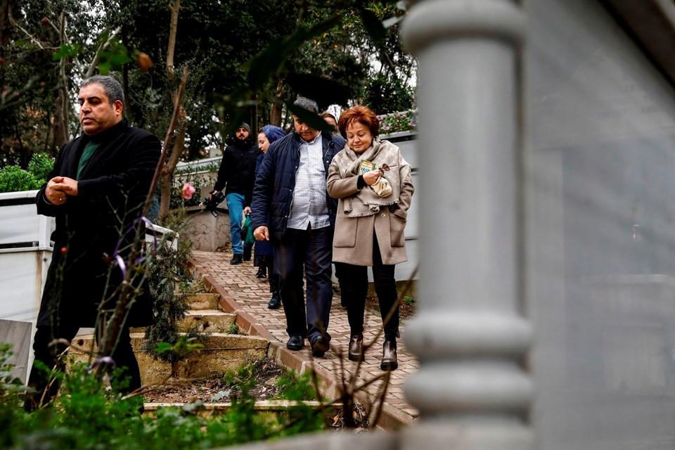 Berna Yılmaz oğlunun mezarını ziyaret etti - Resim: 2