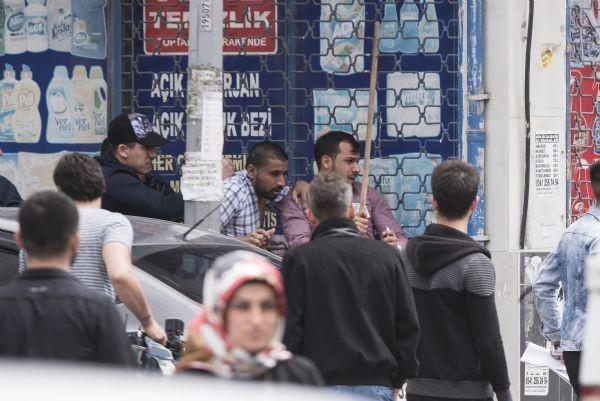 Sultangazi'de tansiyon düşmüyor, yüzlerce kişi sokağa döküldü - Resim: 4