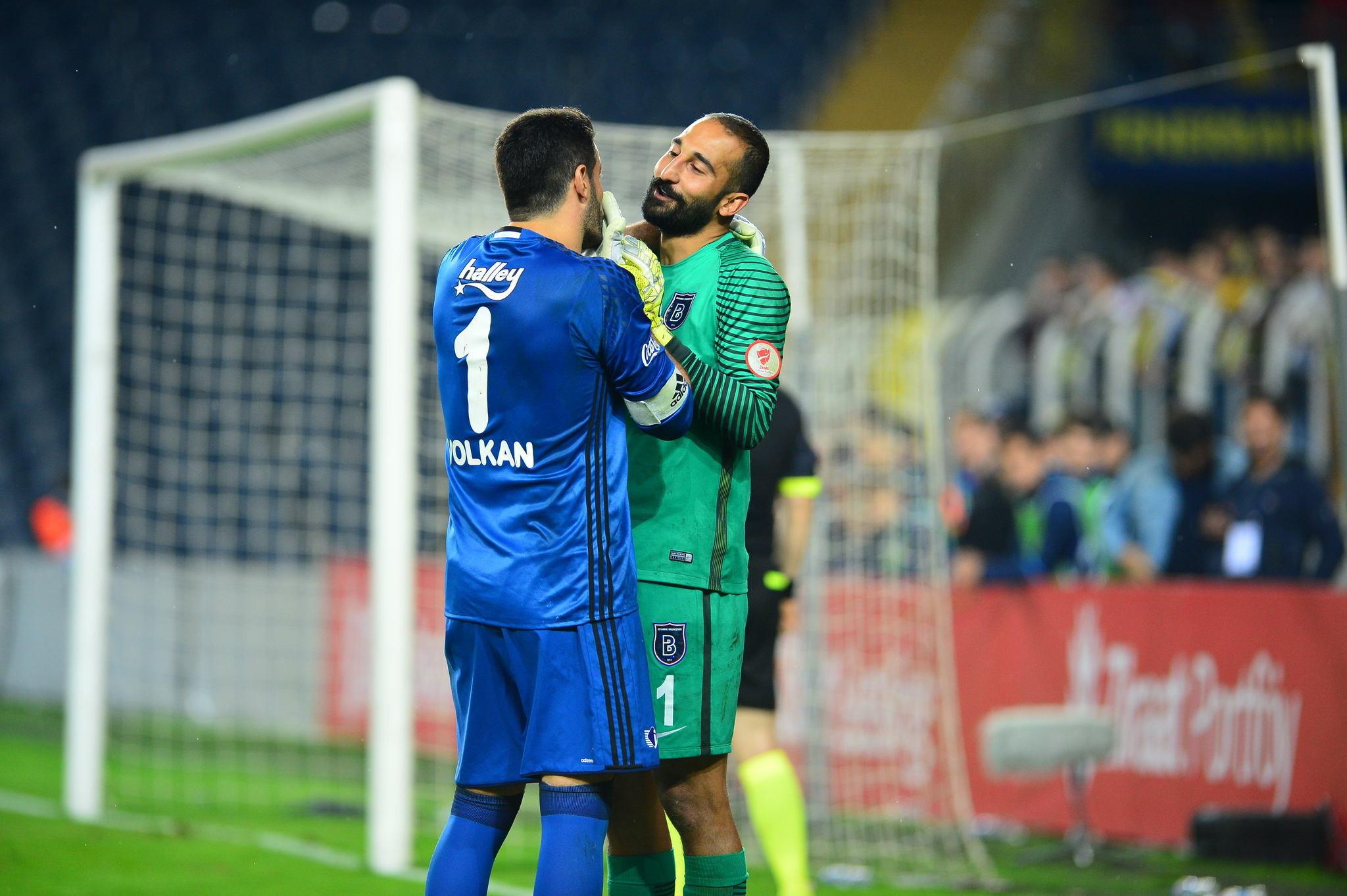 Fenerbahçe - Medipol Başakşehir maçı sosyal medya yorumları
