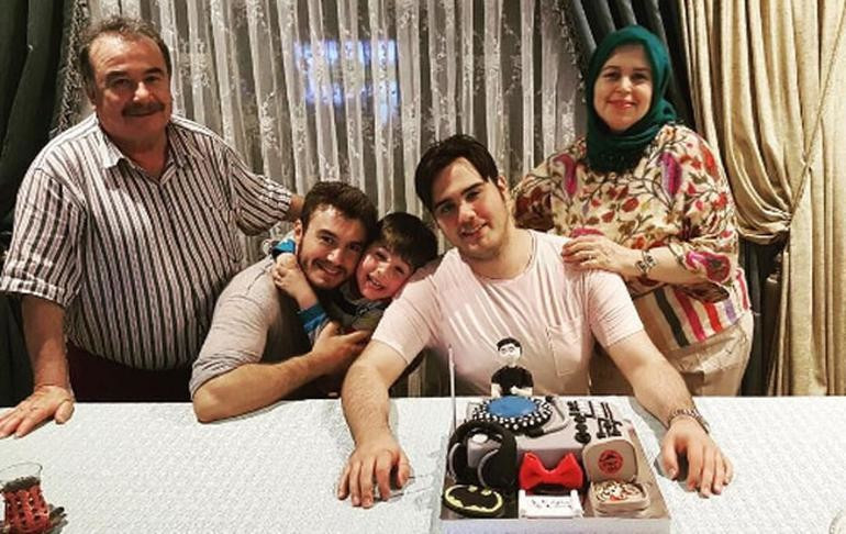 Mustafa Ceceli sevgilisini ailesi ile tanıştırdı
