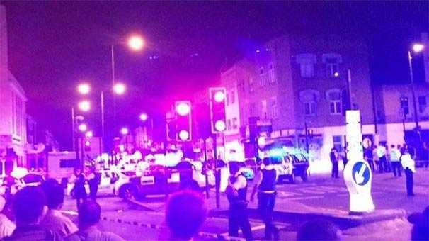 Londra'da minibüs teravih namazından çıkanları ezdi
