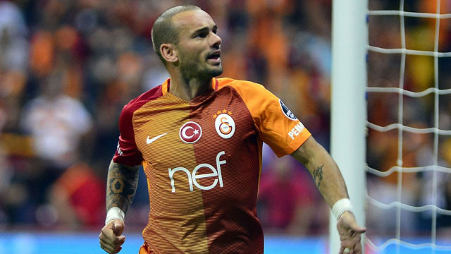 Wesley Sneijder'e Süper Lig'den talip var