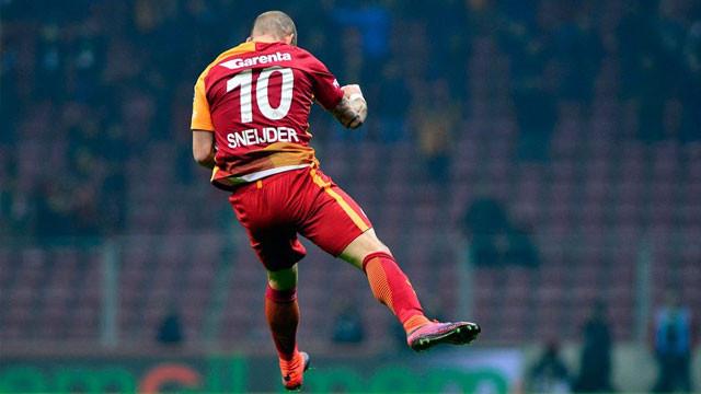 Fenerbahçeliler Sneijder'ı istiyor