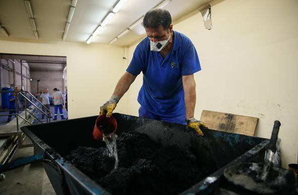 Zeytin atıklarıyla kömür yaptı ! - Resim: 4