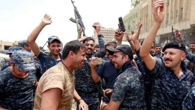 Musul kurtarıldı !  Irak Başbakanı zafer ilan etti