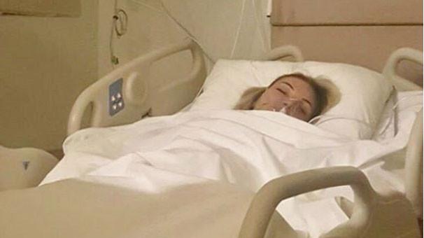 Ünlü şarkıcı ameliyata alındı