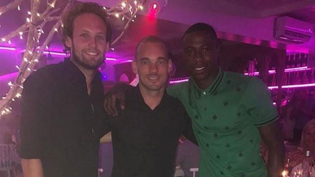 Wesley Sneijder kendini işe verdi !