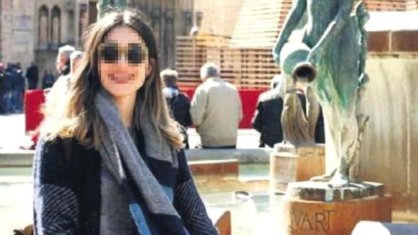 Metroda ''çıplak arama'' 2 kadın polisi yaktı