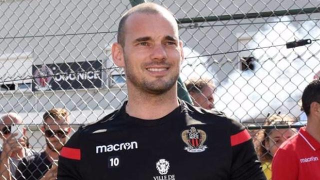 Napoli'den Sneijder açıklaması: ''Çok önemli değil''
