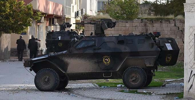 AK Partili vekile bombalı saldırı girişimi !