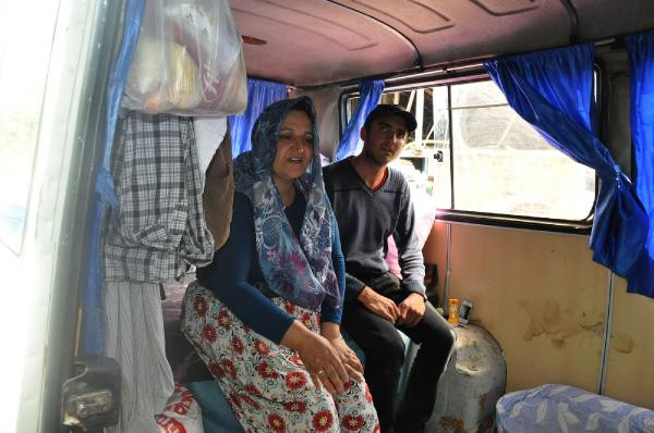 Hurda minibüste yaşayan ailenin serveti ortaya çıktı
