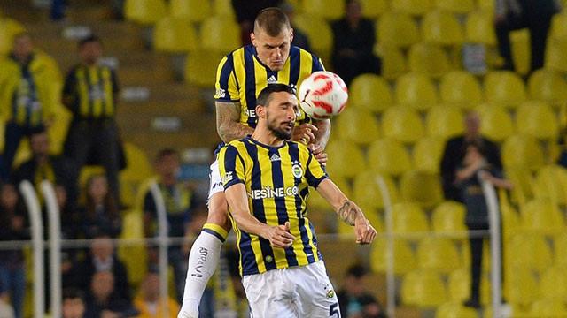Fenerbahçe'ye derbi öncesi iki müjde birden