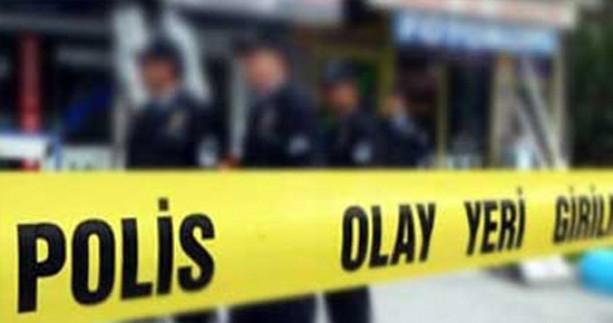 Öğrenci velisi, öğrencilerin önünde öğretmeni bıçakladı