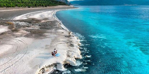 """Türkiye'nin Maldivleri """"Salda Gölü"""" Millet Bahçesi oluyor - Resim: 1"""