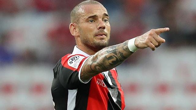 Sneijder'e büyük şok ! Hocası açıkladı...
