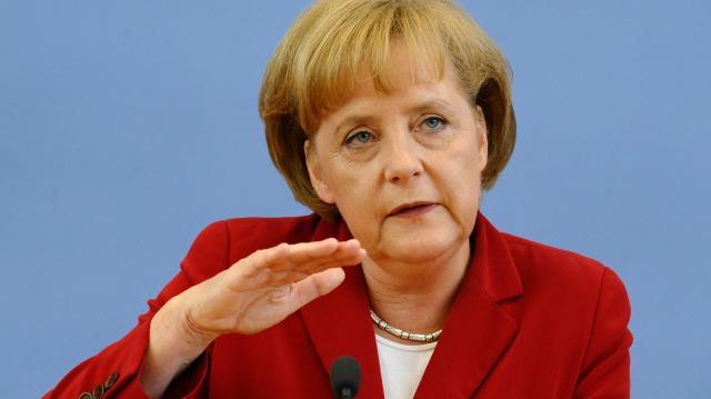 Merkel 24 saatte yan çizdi