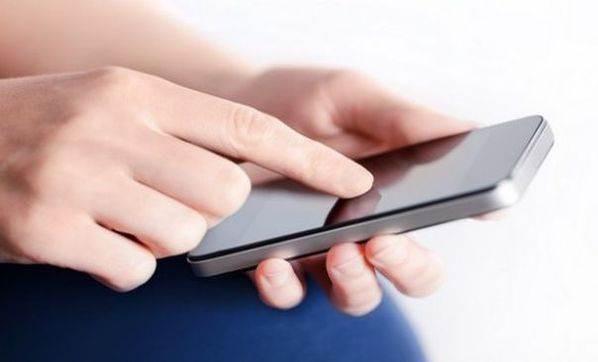 Türkiye akıllı telefonlarla uyuyup kalkıyor