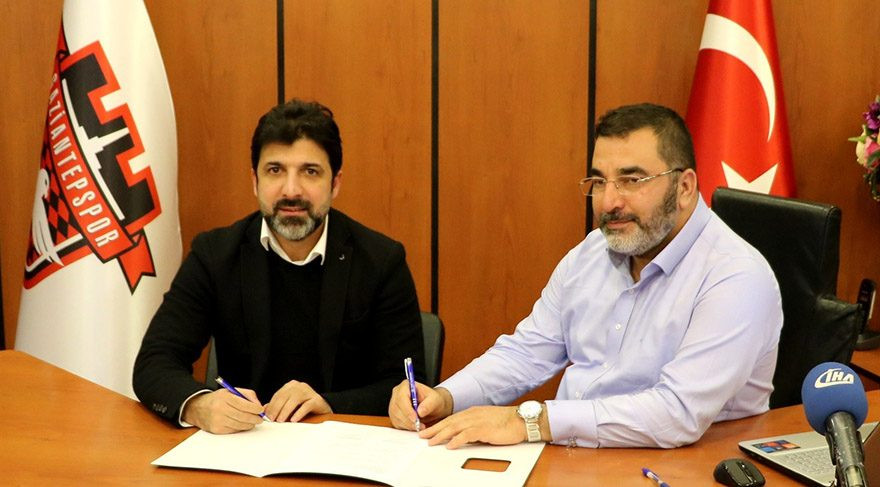 Oktay Derelioğlu resmen Gaziantepspor'da