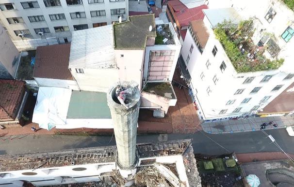 Rize'de tehlikeli minare yıkımı ! - Resim: 1