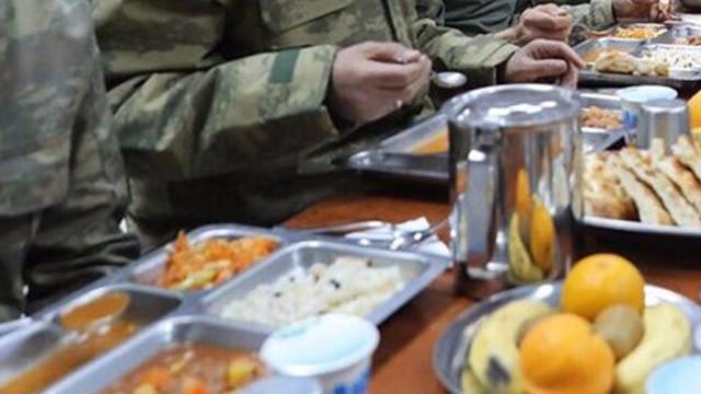Asker yemeği için düğmeye basıldı