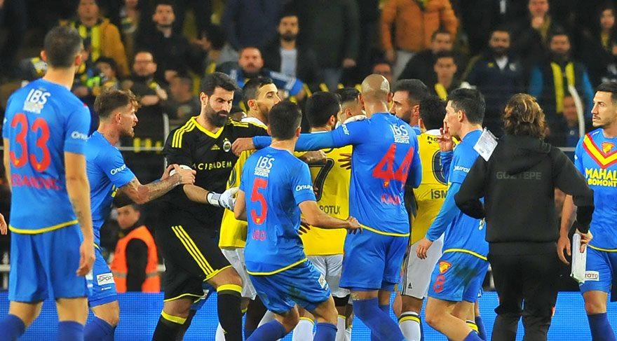 Selçuk Şahin'e Fenerbahçelilerden sert tepki
