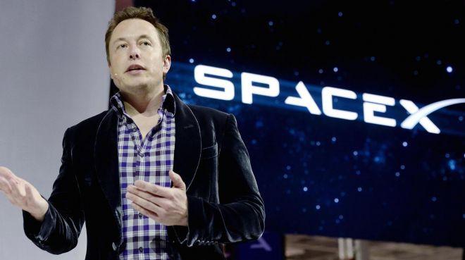 Elon Musk'a maaş yok !