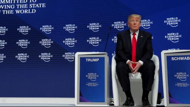 Donald Trump'a Davos'ta soğuk duş: Yuhalandı !
