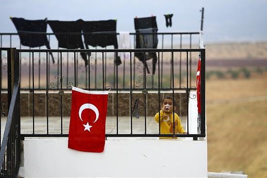 Sınır köylerinde Türkiye nöbeti başladı