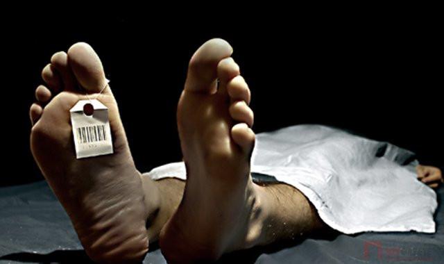 Üç doktor ''öldü'' dedi ama otopsiden önce uyandı