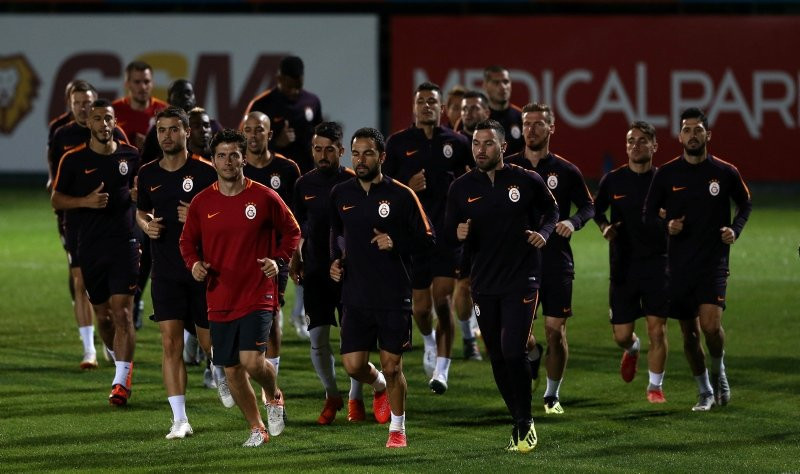 Galatasaray'da transfer çalışmaları başladı !