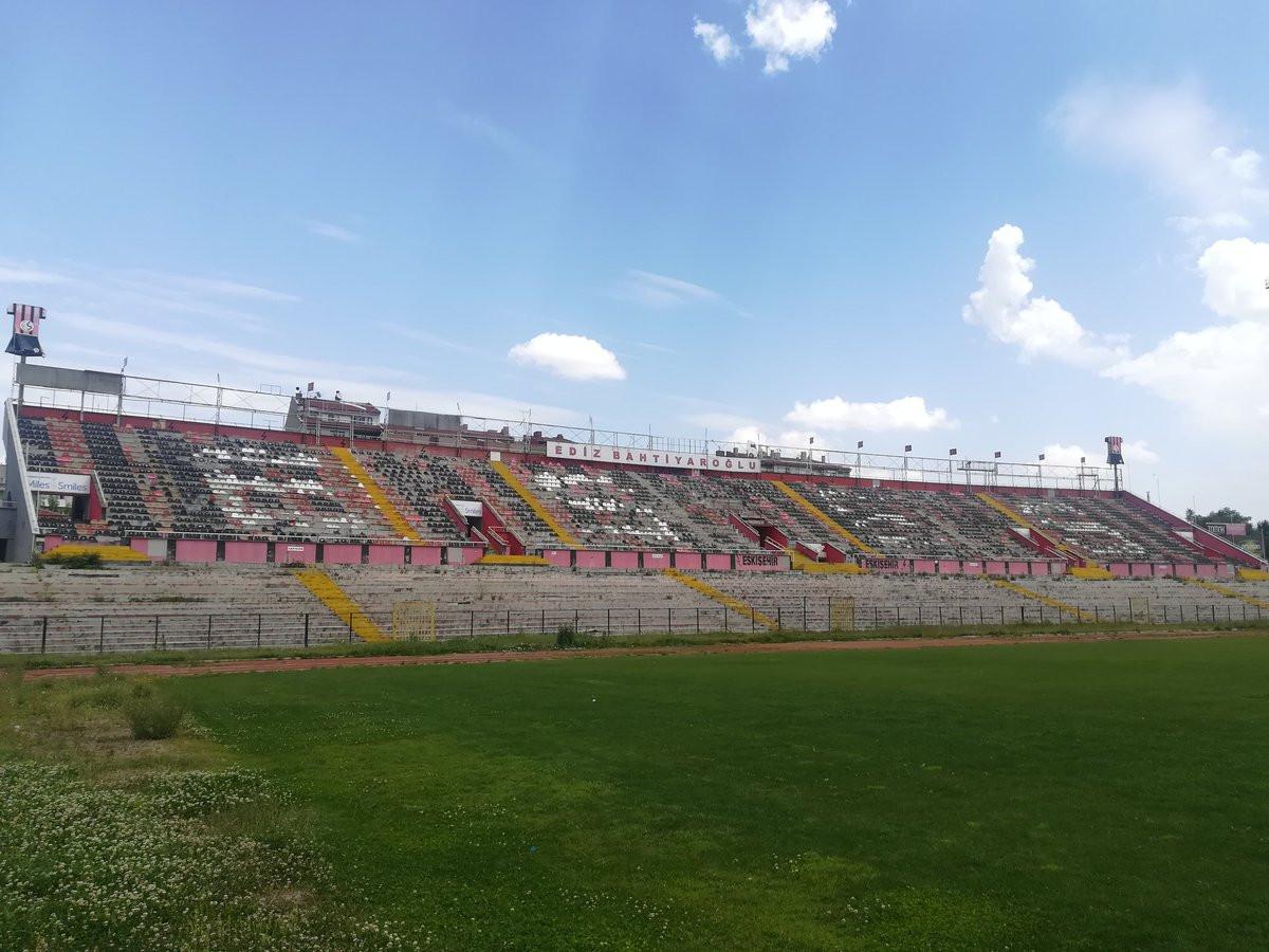Sakarya Atatürk Stadyumu'nun yıkımına başlandı !