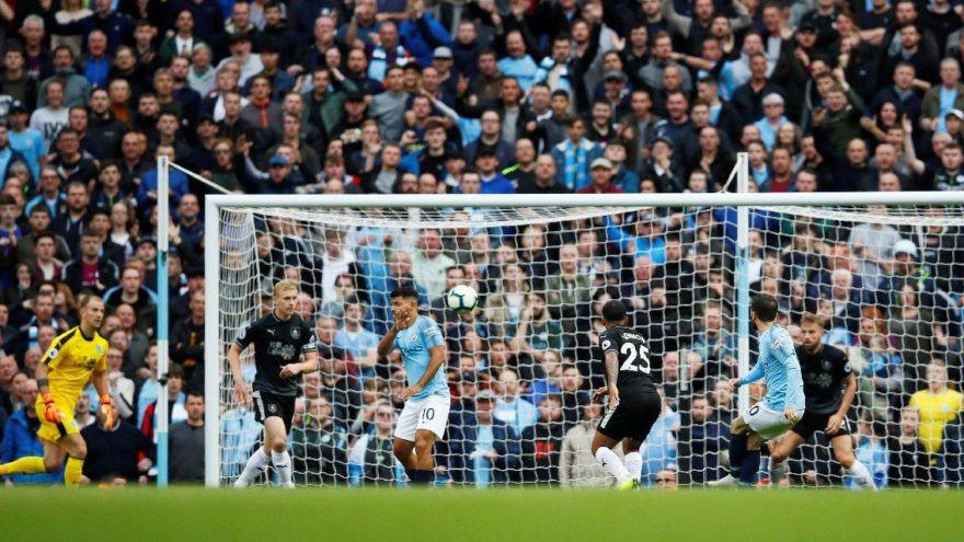 Manchester City Burnley karşısında farka koştu !