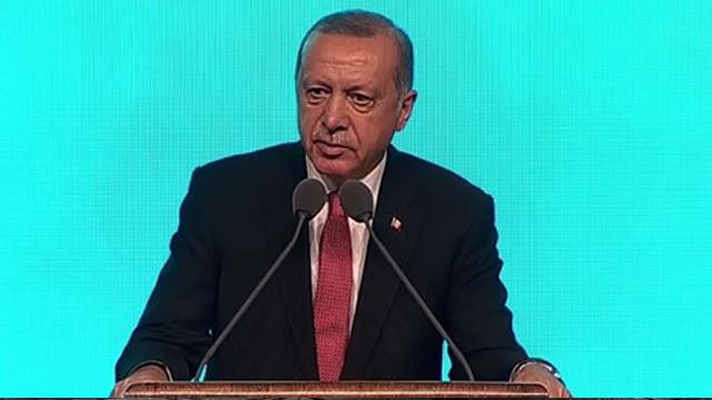 Erdoğan: Camilere kadınlar giremez diye bir ayet mi var ?