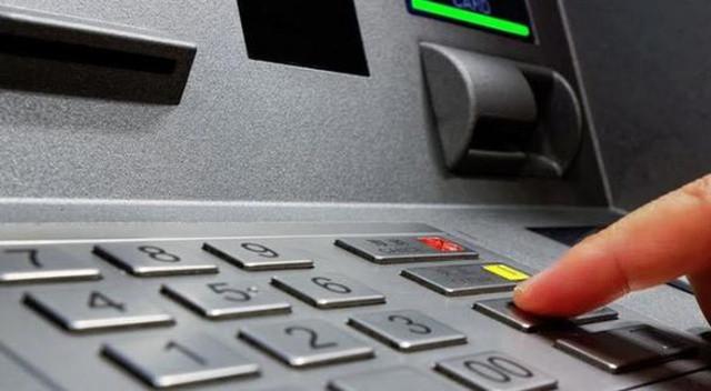 ATM faresine suçüstü ! 6 bin kişinin hesabını boşaltmış