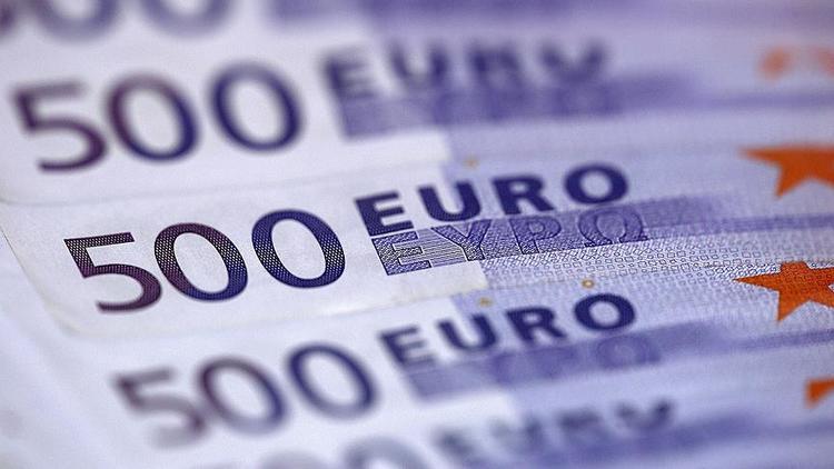 Dolapta bulmuştu... 95 bin euroyu iade etti !