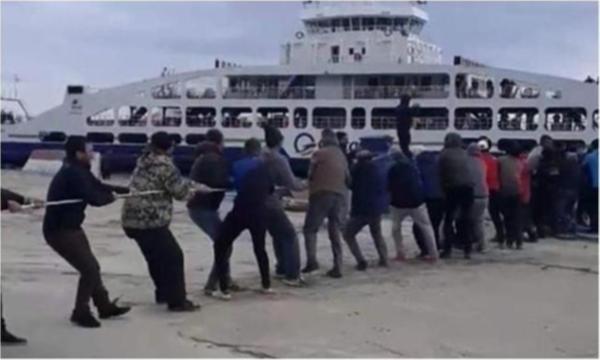 Çanakkale'de feribotu vatandaşlar kurtardı