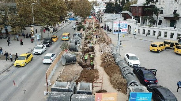 İstanbul'da asfaltın altından tarih fışkırdı