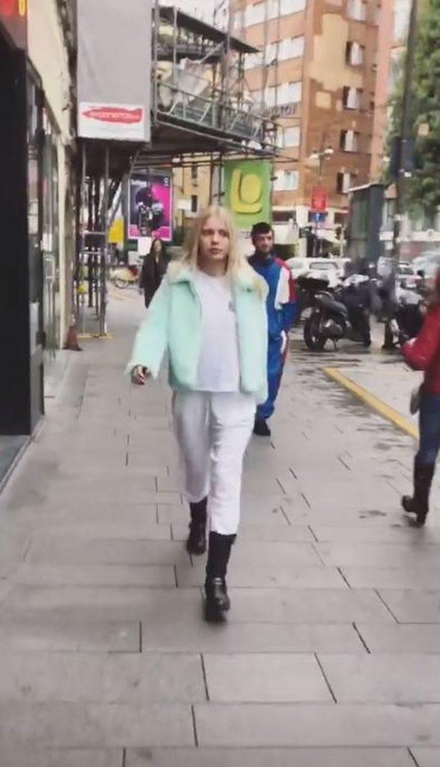 Aleyna Tilki, pijamasıyla İtalya sokaklarında