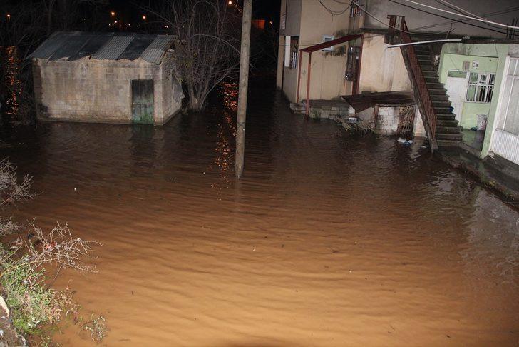 Bitlis'i sel vurdu ! Evler sular altında... - Resim: 4