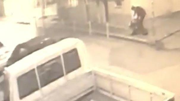 Cadde üzerinde defalarca bıçaklandı